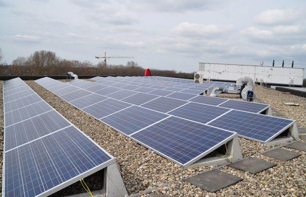 zonnepanelen bedrijven voorwaarden voordelen